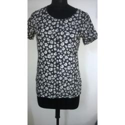 Round Neck 3/4 Sleeve Printed Cotton Red Color Short Black Floral Top