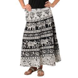 Black & White Traditional Raprown