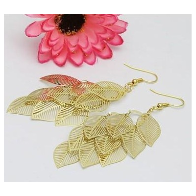 nine leaves earring